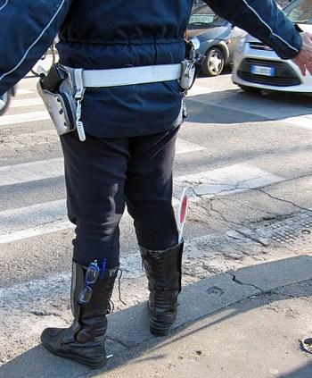 2014_03_07_Poliisin_tavarat_saappaissa_PHA_IMG_5322