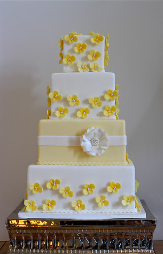 Wedding Cake Gallery   The Couture Cakery Yellow Wedding Cake