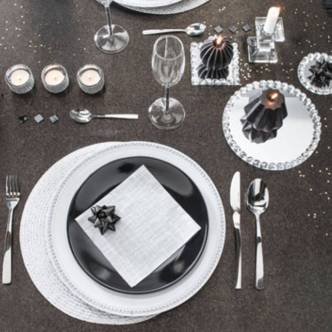 une-decoration-de-table-black-white