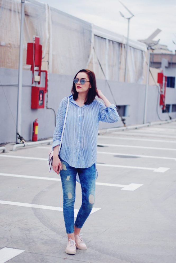Striped shirt, distressed skinny jeans, color block crossbody bag, pink oxford shoes, so real sunglasses, spring outfit by Andreea Birsan.jpg
