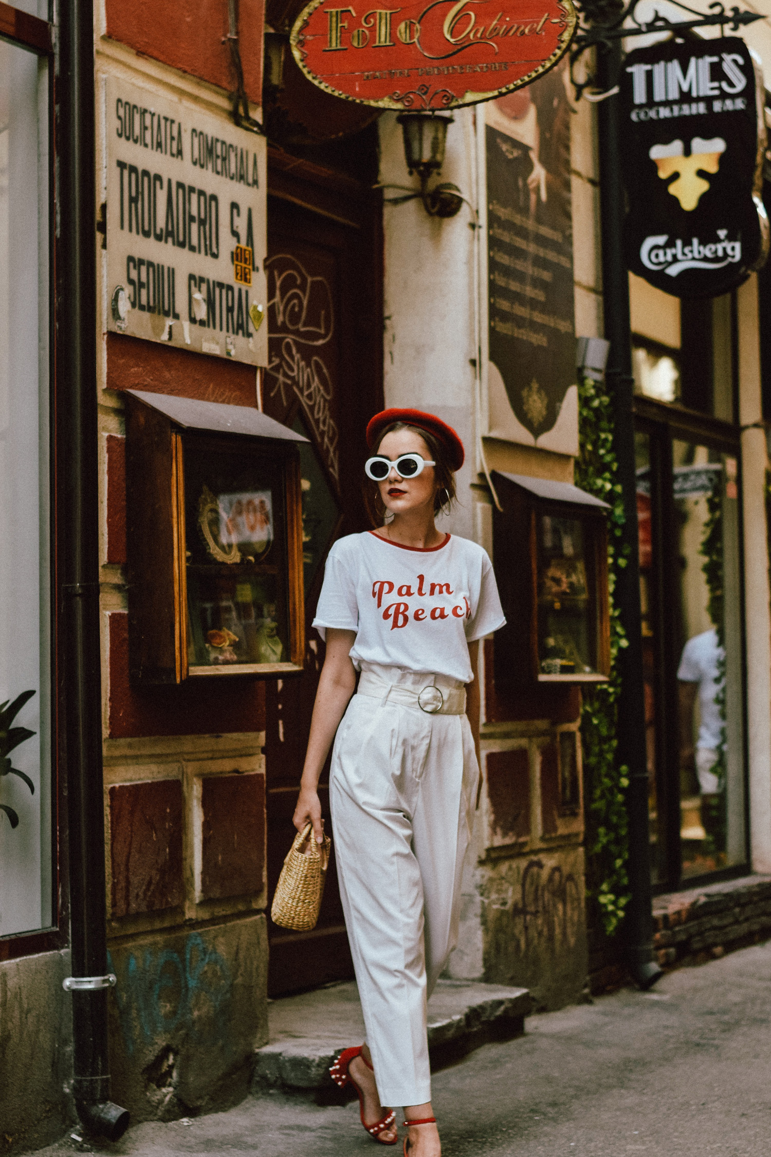Here S A Chic And Fresh Way To Styling Your Old T Shirt