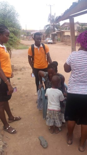 Witnessing to a woman with small boy