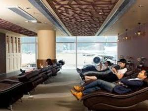 Free relaxation lounge at HKIA Gate 23