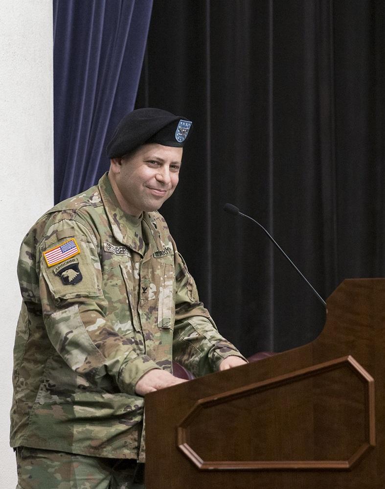 Photo of new Fort Belvoir Garrison Commander Colonel Michael Greenberg