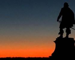 Jamestowne statue at dusk