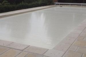 couverture-de-volet-piscine-lames-sables