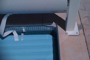 couverture-piscine-le-pied-du-volet-avec-decoupe-des-margelles