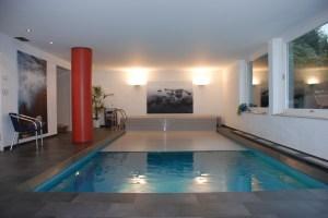 une-couverture-de-volet-pour-piscine