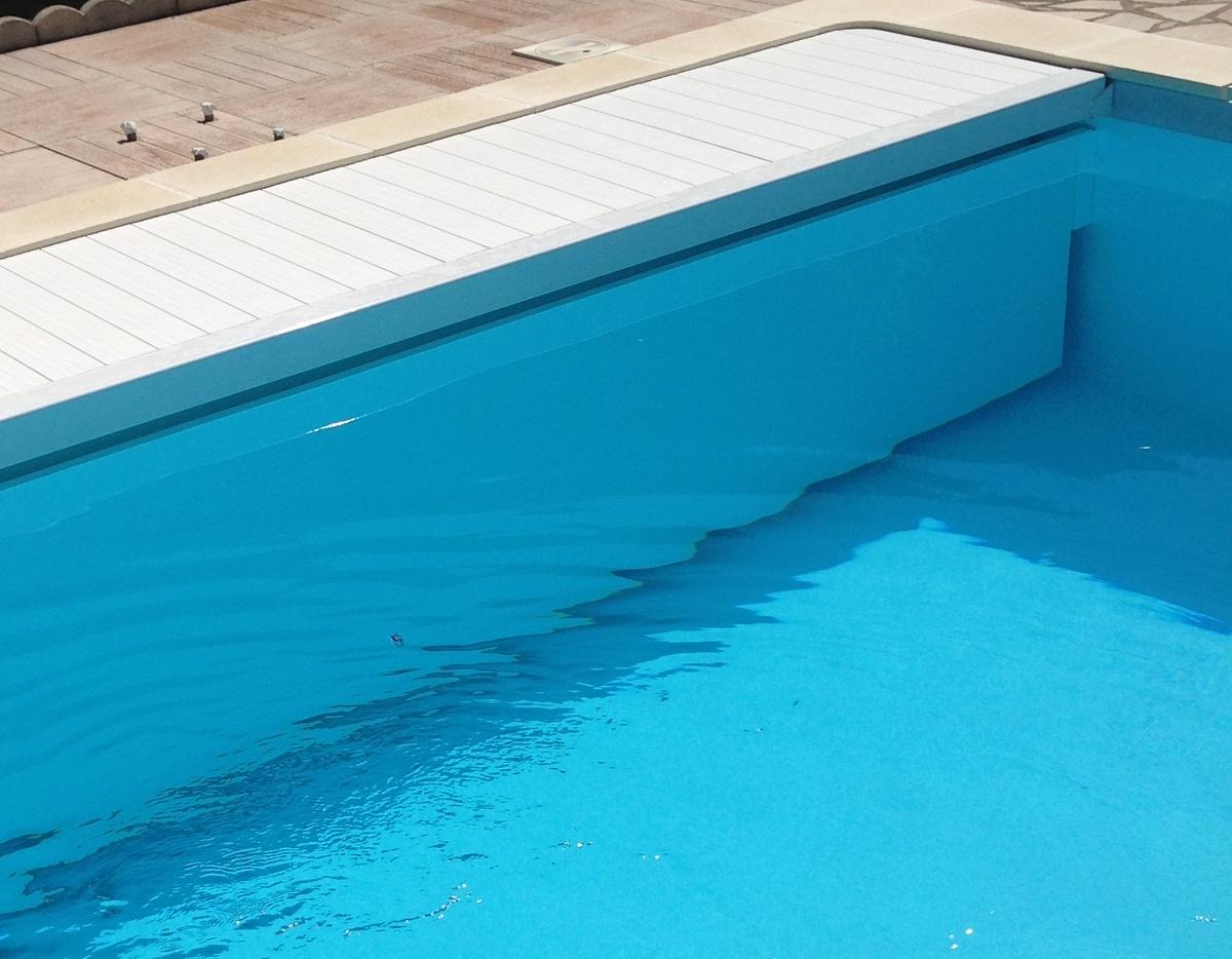 Rideau de piscine immerg roulant coverline sp cialiste for Volet roulant immerge piscine miroir