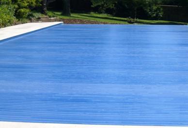 volet de piscine immergé lames solaires