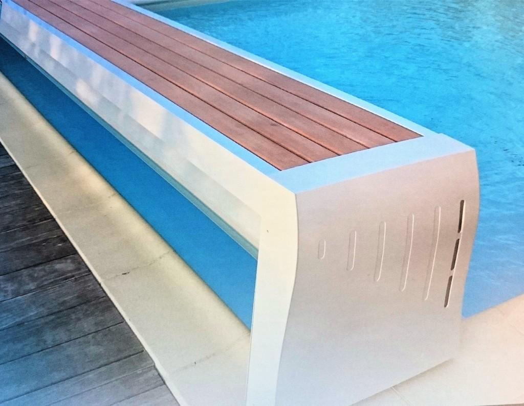 volet de piscine lectrique volet hors sol de piscine. Black Bedroom Furniture Sets. Home Design Ideas