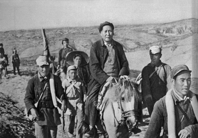 Chinese Civil War - Mao and his guerrilla fighters during the Long March. |  古写真, 歴史, 历史