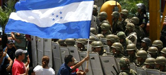 A protest against the 2009 coup in Honduras. (photo: DH Noticias)