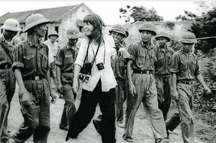 Jane Fonda en Nghe An, North VN 1972 |  manhhai |  Flickr