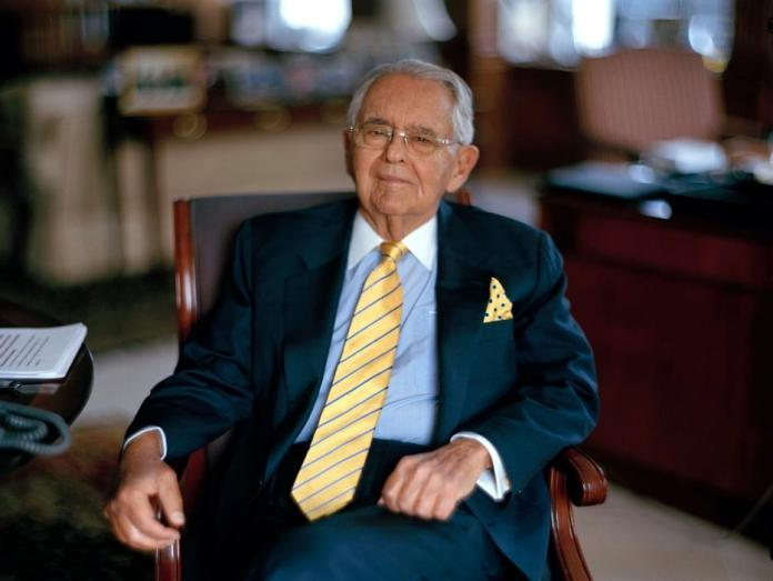 Peter G. Peterson, a Power From Wall St. to Washington, Dies at 91 - The  New York Times