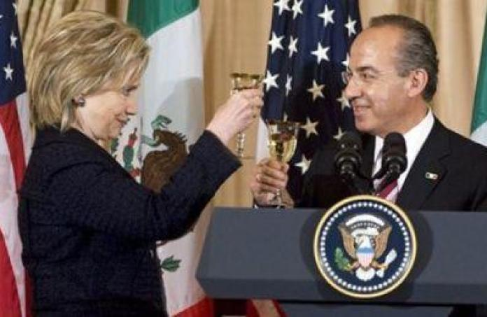 Clinton greets Calderón in May 2010, the day before she sent the email.