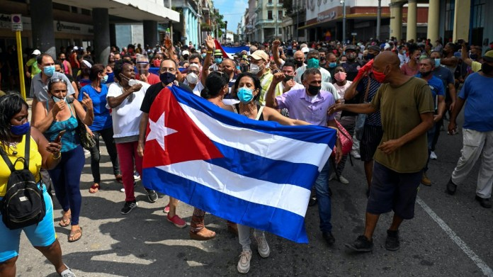 Los cubanos salen a las calles para las mayores protestas contra el gobierno en décadas - The Washington Post