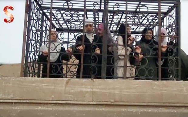 Syrian rebels using caged civilian captives as 'human shields'