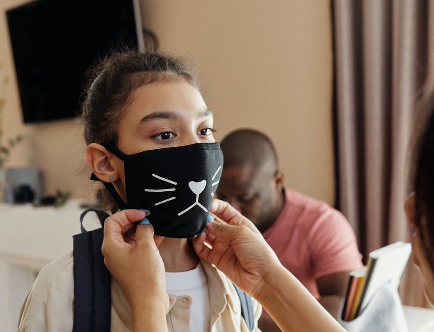 PHAC releases a video explaining how to wear a non-medical mask or face covering properly. This information is relevant for children with diabetes.