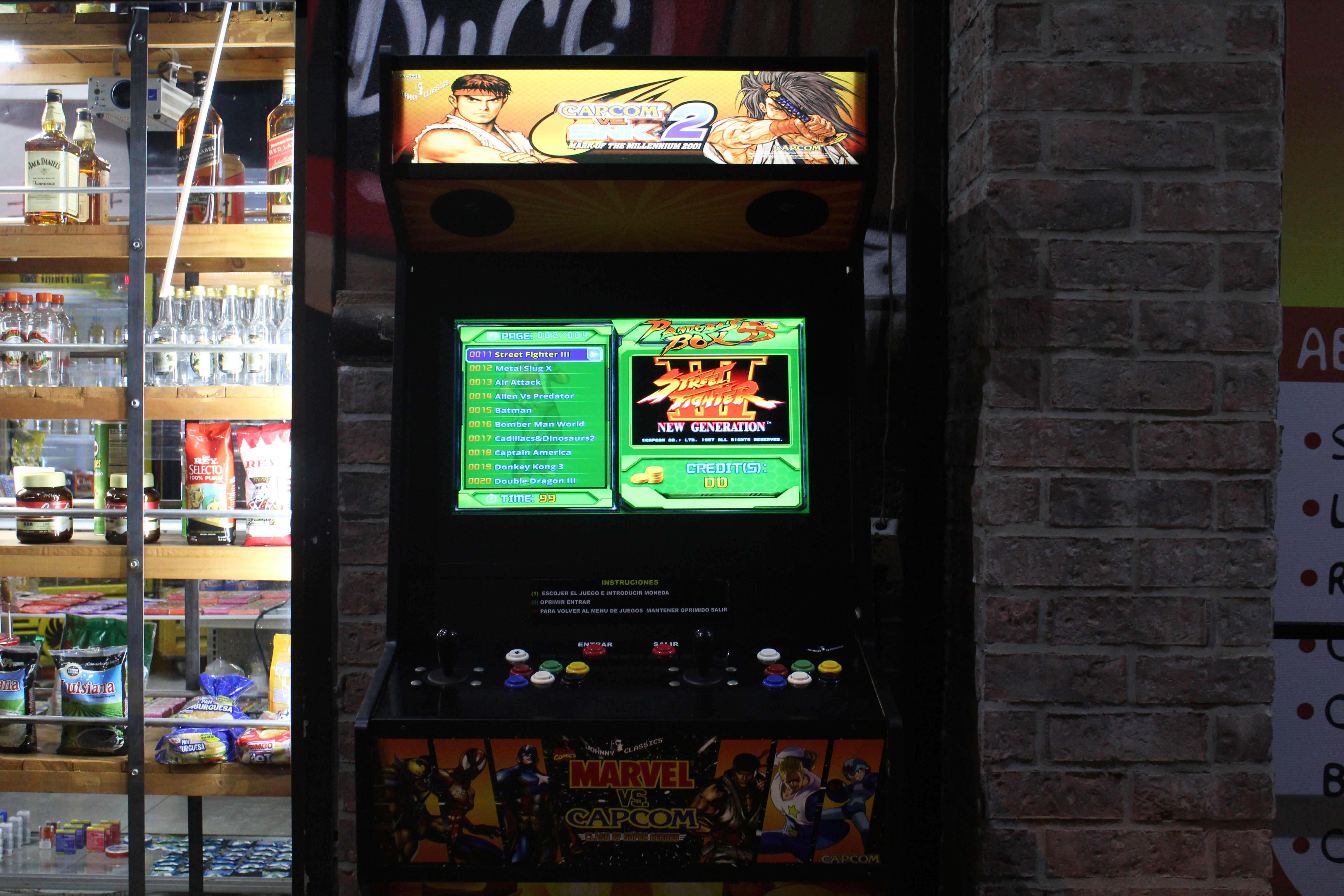 The Street Fighter console at Apu Market in Los Yoses, San José.  | Elizabeth Marie Lang Oreamuno | COVIDA |