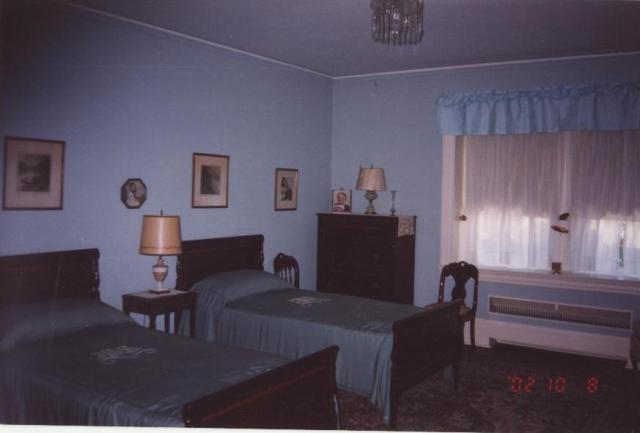 Moffat Estate Bed room 1