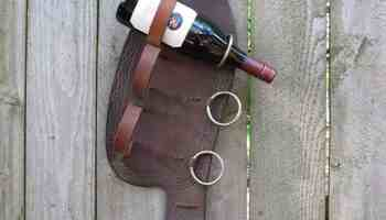 Wine-Bottle-Stirrup-Holder