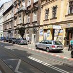Na ulicy Długiej zamontują gumowe separatory!