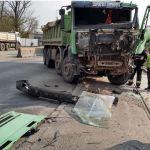 Wczorajszy wypadek ciężarówki z tramwajem [zdjęcia]