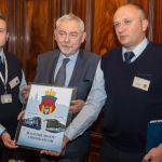 Kierowca i motorniczy MPK z wizytą u prezydenta Krakowa