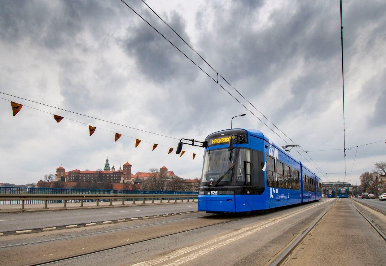 Nowy tramwaj można zobaczyć na ulicach Krakowa - Wiadomości z ...
