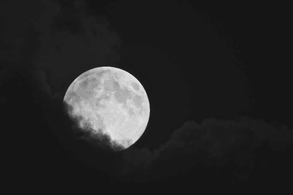 Sleep moon image hypnotherapy in cornwall