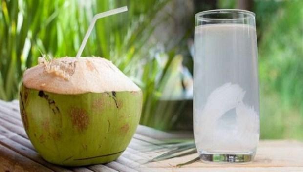 https://i2.wp.com/coxview.com/wp-content/uploads/2021/04/Fruit-Coconut-water-.jpg?resize=620%2C353