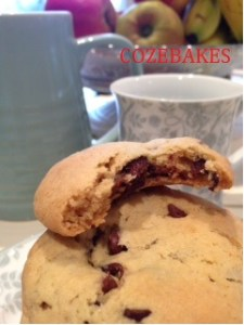 rolo cookies, rolo chocolate chip cookies, cozebakes, cookies, bakes for kids, baking with kids, easy cookie recipes