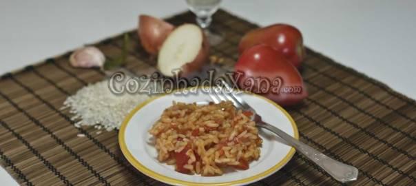 Como fazer arroz de tomate