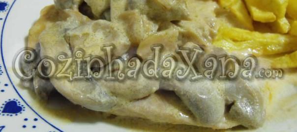 Bifes com cogumelos e natas