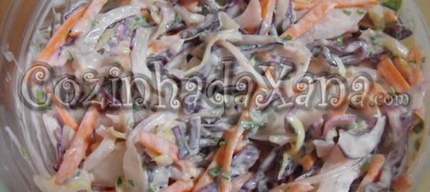 Salada de couve (coleslaw)