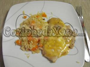Bifes de peru com especiarias e queijo