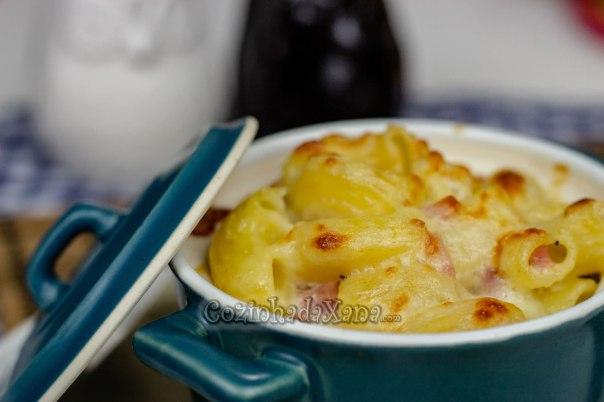 Massa com queijo no forno (Mac and cheese)