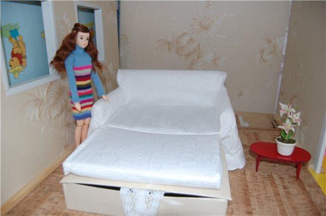 Összecsukható kanapé Barbie számára