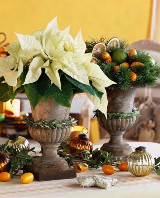 рождественский декор с цветами