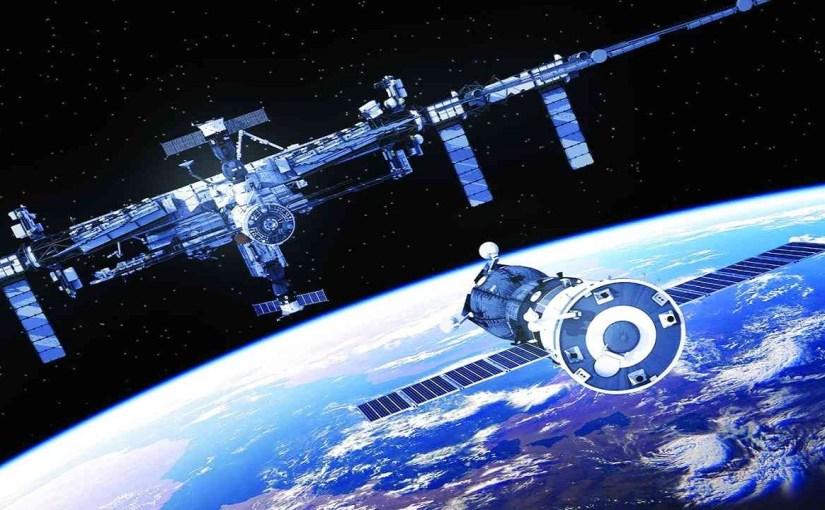 بالفيديو.. عودة رائدا فضاء بعد أول رحلة فضائية مأهولة تابعة لشركة خاصة