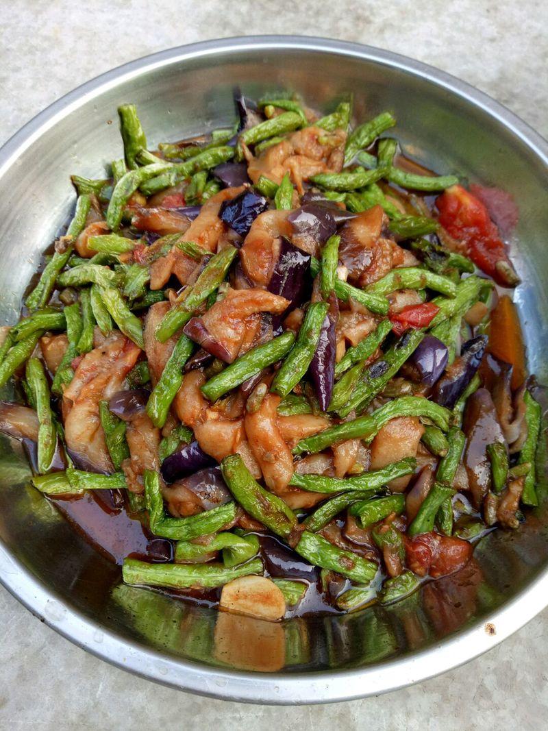 長豆角燒茄子的做法_【圖解】長豆角燒茄子怎么做如何做好吃_長豆角燒茄子家常做法大全_藍天920_豆果美食