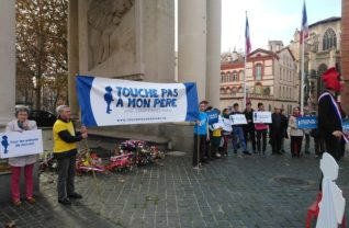 Alliance Vita en action à Toulouse contre l'extension de la PMA à toutes les femmes