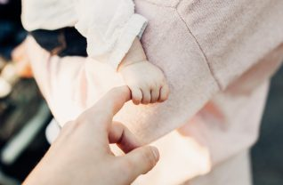 La filiation de six enfants nés par GPA à l'étranger reconnue en cour d'appel
