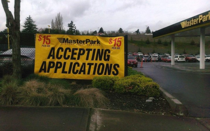 Master Park Accepting Applications banner advertising $15/hr wage