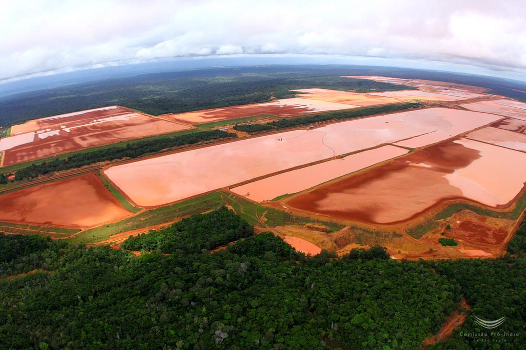 Barragens de rejeitos da MIneração Rio Norte em Oriximiná, na Amazônia