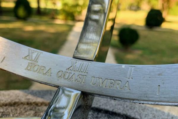 """""""Hora Quasi Umbra"""" text on a Sundial"""