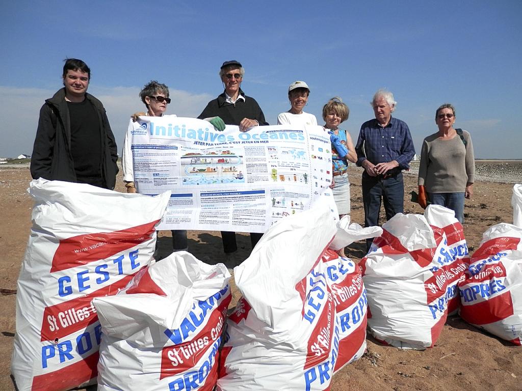 Le CPNS relaie localement les actions « Initiative Océane » de Surf Rider  pour le nettoyage des plages