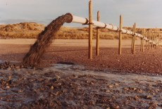 ce que vous ne voyez plus: rejet aérien avant enfouissage du tuyau de rejet des boues de dragage -Grande plage de St Gilles Croix de Vie