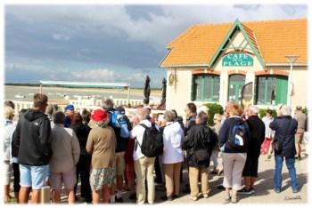 devant-le-cafe-de-la-plage